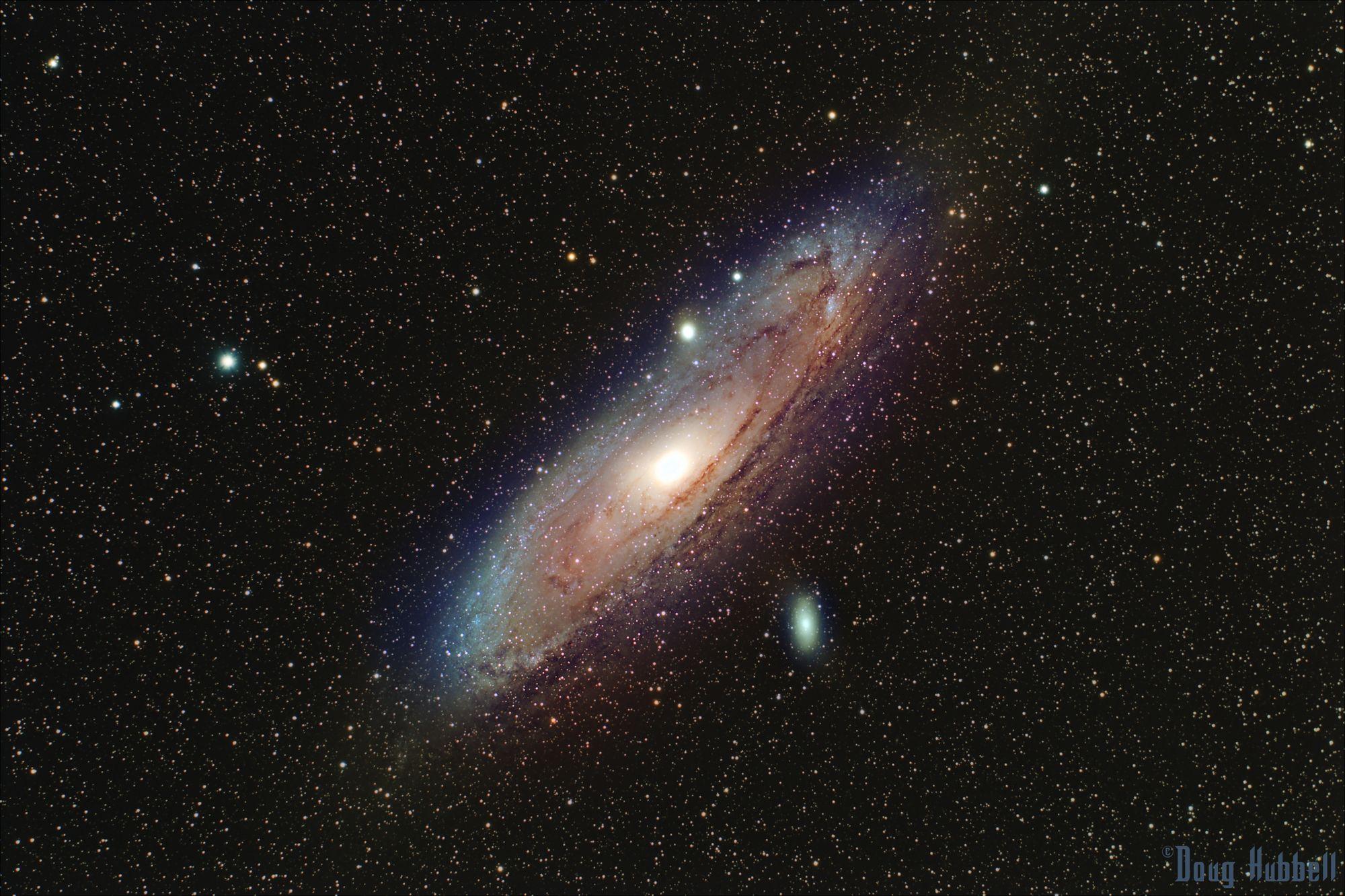 andromeda galaxy through telescope - HD2000×1332