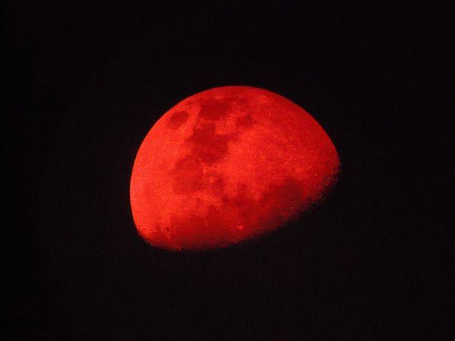 Red Moon on a Smokey Night