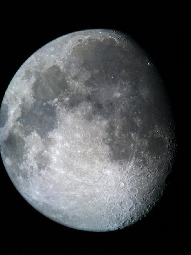 Gibbous Moon with iPhone 4 and SteadyPix