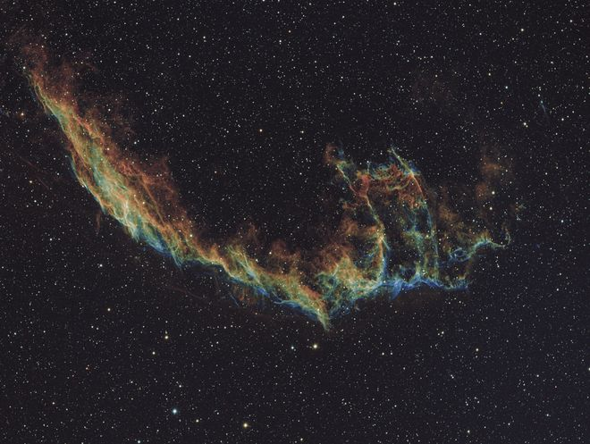 The Eastern Veil Nebula in Bi-color